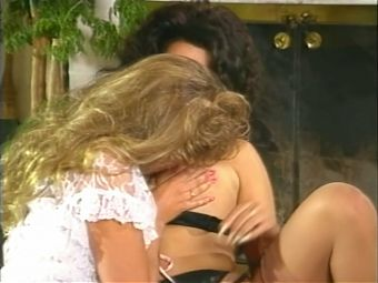 PJ Sparxx and Zoryna Dreams busty threesome, upscaled to 4K